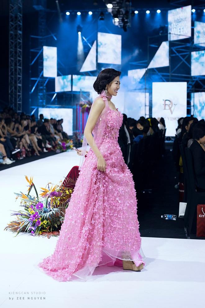 Bán đấu giá chiếc váy Mai Phương từng mặc để quyên góp tiền cho bé Lavie - Ảnh 3.