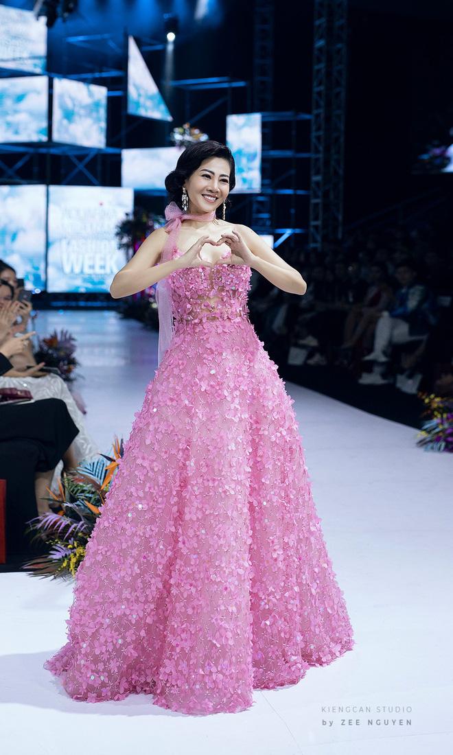 Bán đấu giá chiếc váy Mai Phương từng mặc để quyên góp tiền cho bé Lavie - Ảnh 5.