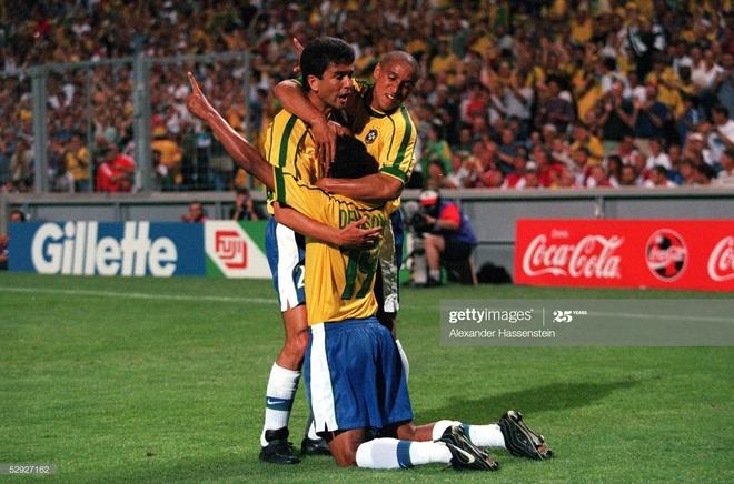 CLB V.League gây sốc khi chiêu mộ nhà vô địch World Cup rồi nhận về cái kết đắng lòng - Ảnh 2.