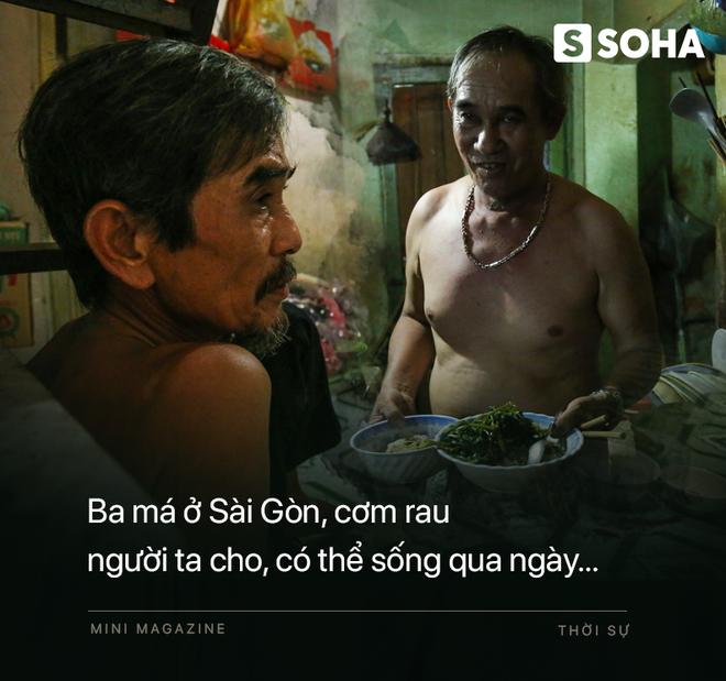 Bô lão vé số mùa Covid-19: Ba má ở Sài Gòn tiền lớn không có, chứ cơm rau người ta cho có thể sống qua ngày - Ảnh 3.