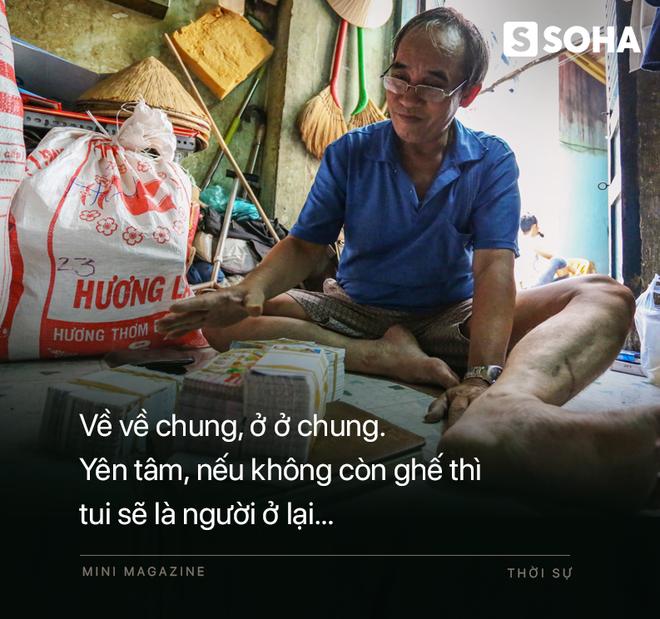 Bô lão vé số mùa Covid-19: Ba má ở Sài Gòn tiền lớn không có, chứ cơm rau người ta cho có thể sống qua ngày - Ảnh 14.