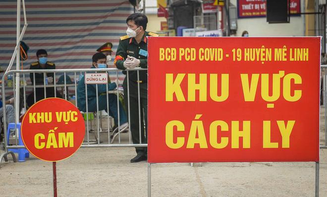 Cảnh mua bán đặc biệt tại thôn Hạ Lôi, nơi có 4 người mắc COVID-19 - Ảnh 1.