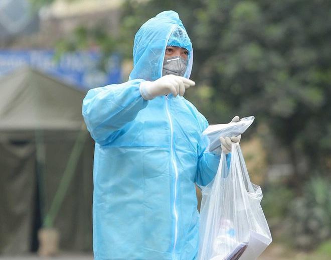 Thêm BN 149 liên tục âm tính rồi dương tính với SARS-CoV-2; cách ly toàn bộ Bệnh viện Thận Hà Nội - Ảnh 1.