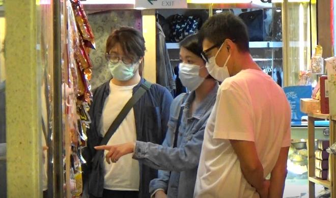Ngọc nữ số 1 Hong Kong quyết không sinh con để giữ dáng gợi cảm, vẫn bị chồng phản bội 8 lần - Ảnh 9.
