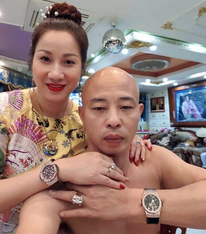 Cặp vợ chồng nữ đại gia bất động sản Thái Bình vừa bị bắt được biết đến với nhiều màn chịu chơi - Ảnh 1.