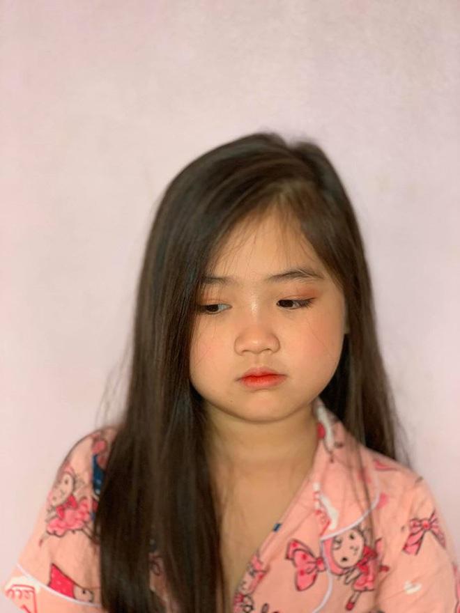 Nghỉ dịch rảnh rỗi, cô chị mang 2 em gái ra tập tành trang điểm ai ngờ lại thu được thành quả đẹp hơn cả mỹ nhân - Ảnh 6.