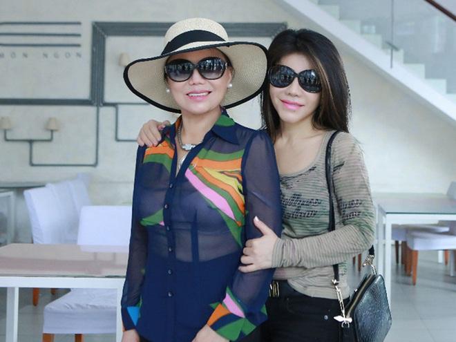 Danh ca Sơn Tuyền: Mỗi lần gặp, chị hai Thanh Tuyền rất khó chịu với đầu tóc của tôi - Ảnh 1.