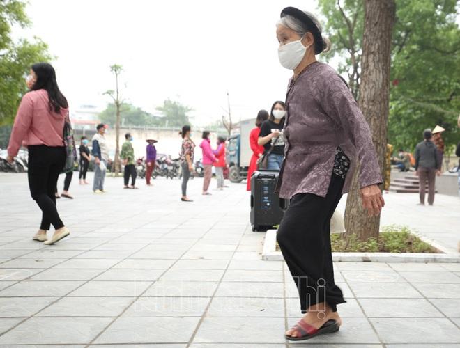[Ảnh] Hà Nội đã có máy ATM phát gạo miễn phí cho người nghèo - Ảnh 10.