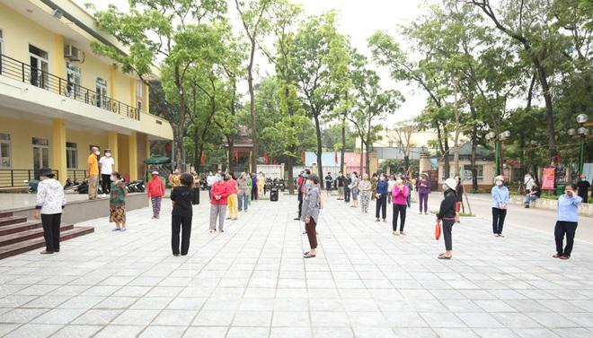 [Ảnh] Hà Nội đã có máy ATM phát gạo miễn phí cho người nghèo - Ảnh 3.