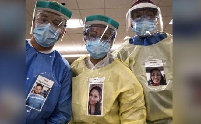 """Nụ cười bên ngoài bộ đồ bảo hộ: Bác sĩ Mỹ đề xuất ý tưởng giúp bệnh viện thời COVID-19 trở nên bớt """"đáng sợ"""""""