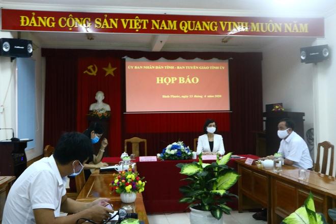 Vụ Phó Chủ tịch HĐND huyện ở Bình Phước lăng mạ, phản ứng tổ kiểm dịch: Có bị xử lý hành chính, hình sự? - Ảnh 1.