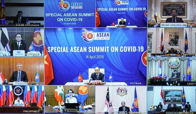 Thủ tướng Nguyễn Xuân Phúc chủ trì hội nghị đặc biệt về ứng phó Covid-19; Việt Nam tặng Nga 150.000 khẩu trang - Ảnh 1.