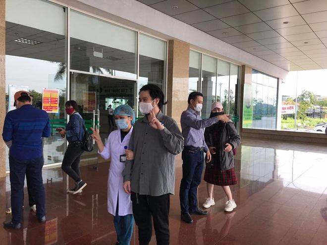 Cụ ông bị ung thư khỏi Covid-19: Sau khi khám tại BV Bạch Mai về tôi bị sốt và mua thuốc cúm về uống - Ảnh 3.