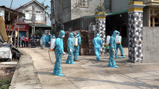 Thêm một thôn tại Hà Nội bị cách ly, xác định hơn 100 người liên quan BN 266  - Ảnh 2.