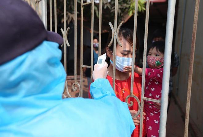 Dịch Covid-19 ngày 15/4: Hơn 1.500 người là F1,F2 của các ca bệnh tại Mê Linh; 12 địa phương có nguy cơ cao được kiến nghị cách ly xã hội thêm ít nhất 7 ngày - Ảnh 1.