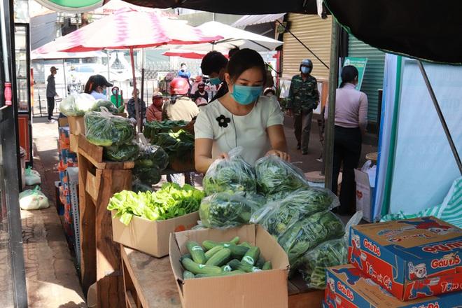 Đắk Lắk: ATM gạo có thêm rau, trứng và mì  - Ảnh 2.