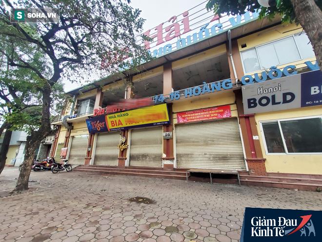Sau cú sốc kép, quán nhậu nổi tiếng Hà Thành hé cửa bán bia cho khách mang về nhà - Ảnh 4.