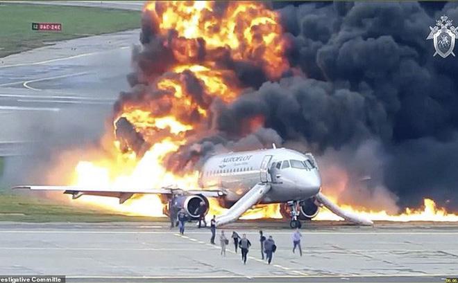 Máy bay bị sét đánh, Nga buộc tội cơ trưởng gây ra lửa hoả ngục