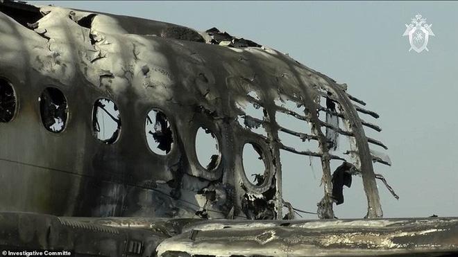 Máy bay bị sét đánh, Nga buộc tội cơ trưởng gây ra lửa hoả ngục - Ảnh 2.