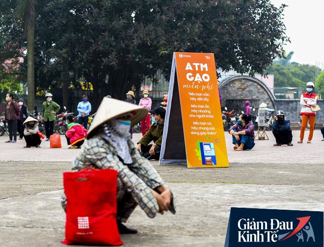 """Cây ATM gạo miễn phí ở Hà Nội: """"Mỗi ngày bớt đi mấy chục nghìn tiền gạo cũng đỡ 1 khoản lo"""" - Ảnh 4."""
