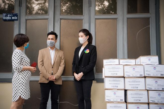 Á hậu Huyền My góp phần quà trị giá 300 triệu chống dịch Covid-19 - Ảnh 4.