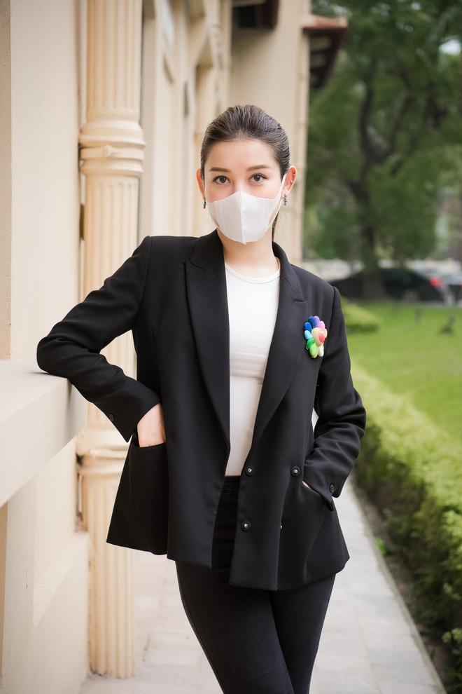 Á hậu Huyền My góp phần quà trị giá 300 triệu chống dịch Covid-19 - Ảnh 3.