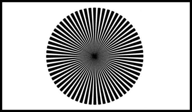 Thấy màu gì trong tâm điểm của hình dưới đây? Câu trả lời sẽ cho biết ai là thiên tài - Ảnh 1.