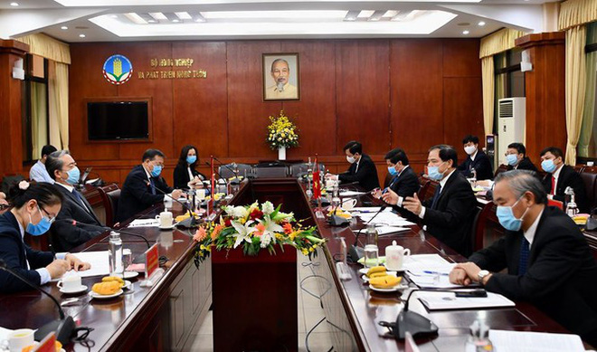 Đề nghị Trung Quốc mở luồng ưu tiên giải phóng nông sản ùn ứ - Ảnh 1.