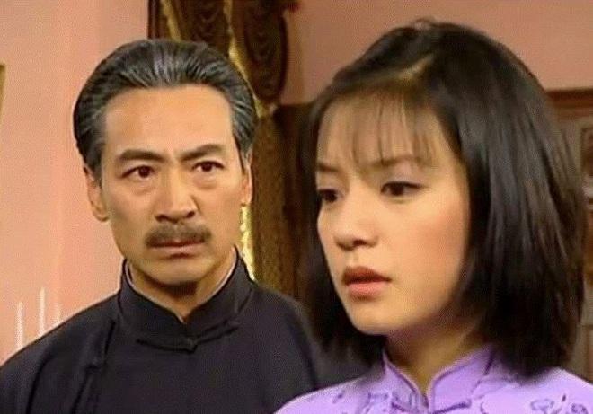 Tài tử Tiếu ngạo giang hồ: Lấy vợ kém 21 tuổi, 54 tuổi làm cha, cuộc sống tuổi U70 ra sao? - Ảnh 3.