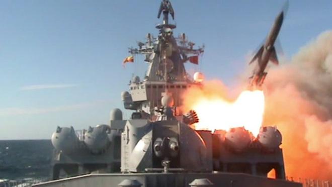 Chỉ huy quân sự cấp cao QĐ Syria bị ám sát - Soái hạm khủng nhất Hạm đội Biển Đen Nga sẽ thẳng tiến tới Địa Trung Hải - Ảnh 1.