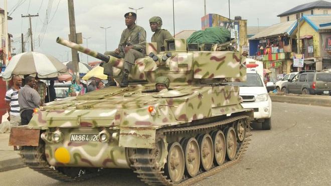 Chất lượng tệ hại, chưa dùng đã hỏng: Vì sao vũ khí Trung Quốc vẫn đắt hàng ở Nigeria? - Ảnh 5.