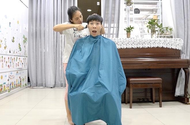 Chia sẻ hài hước của Quốc Nghiệp khi được vợ tự tay cắt tóc ngay tại nhà - Ảnh 12.