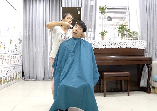 Chia sẻ hài hước của Quốc Nghiệp khi được vợ tự tay cắt tóc ngay tại nhà - Ảnh 11.