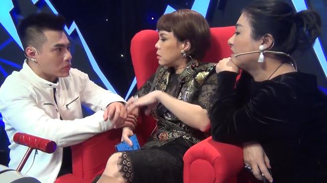 Lê Dương Bảo Lâm: Mũi tôi sửa hai lần, bọc răng sứ nguyên hàm. Mặt tôi tiêm botox và gọt hàm - Ảnh 4.