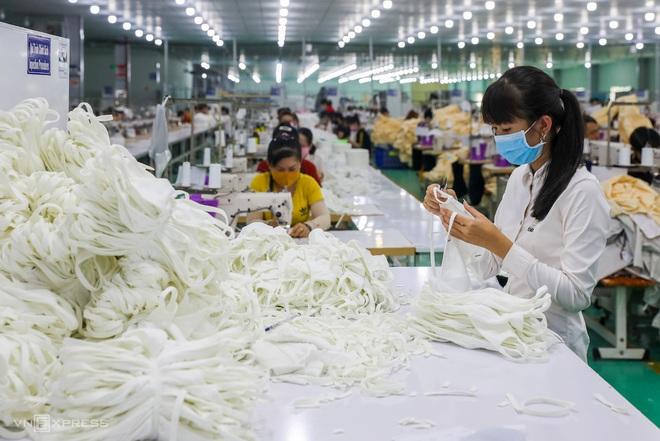 Cập nhật dịch Covid-19 ngày 2/4: Việt Nam ghi nhận 222 ca bệnh; Khoảng 500 người làm việc trực tiếp tại sân bay Nội Bài chưa được xét nghiệm Covid-19 - Ảnh 1.