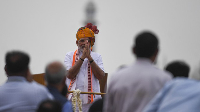Các lãnh đạo thế giới áp dụng kiểu chào truyền thống của Ấn Độ trong mùa dịch COVID-19 - Ảnh 1.