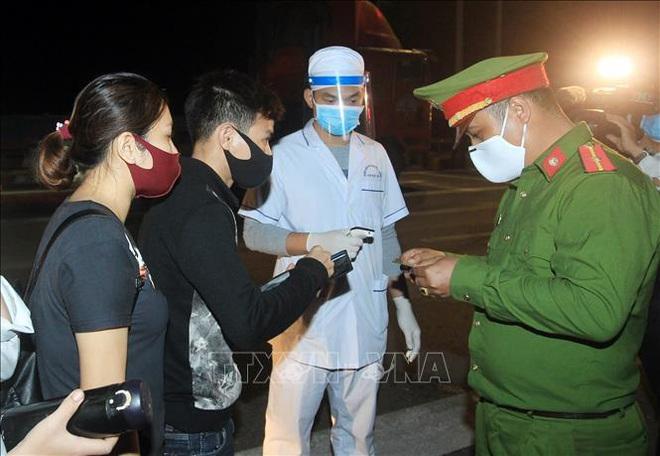 Cập nhật dịch Covid-19 ngày 2/4: Hưng Yên họp khẩn, cách ly hơn 1.400 dân khi ca bệnh 219 là người ở thôn; Việt Nam có 222 bệnh nhân - Ảnh 1.