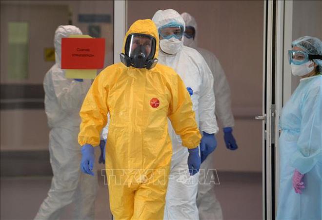 COVID-19: Mỹ vượt mốc 5.000 ca tử vong; Tây Ban Nha tăng hơn 8.000 ca/ngày, sắp vượt Italy về số ca nhiễm - Ảnh 1.