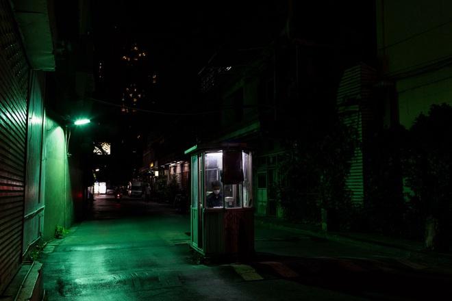 Chùm ảnh cảnh tượng vắng lặng đêm ngày vì Covid-19 trên khắp thế giới, những thành phố không ngủ nay phải ngủ rồi, đứng yên chờ ngày bừng sáng - Ảnh 11.