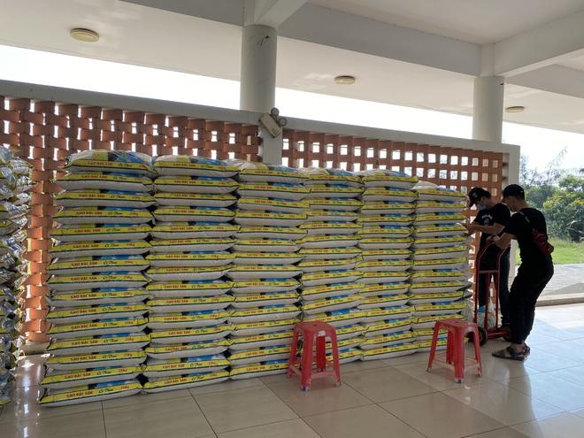 Hạt gạo tình thương sẽ tuôn chảy ở Đà Nẵng suốt 60 ngày liên tục - Ảnh 3.