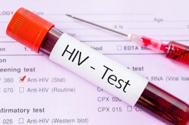 Bí mật trong máu tôi: Bi kịch cuộc đời của cậu bé nhiễm HIV mà không dám tiết lộ với bất kỳ ai, án tử đến từ mũi tiêm chữa bệnh và cú lội ngược dòng ngoạn mục - Ảnh 5.