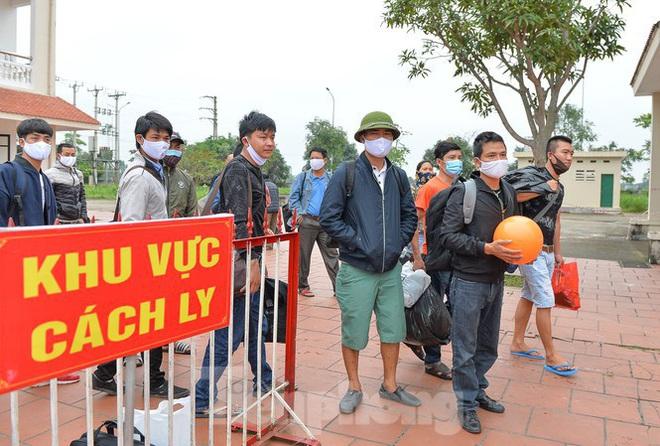 """Chủ tịch Hà Nội Nguyễn Đức Chung: Thành phố sẽ """"hạ nhiệt"""" từ từ; Sáng 21/4, Việt Nam tròn 5 ngày không ghi nhận ca mắc mới COVID-19 - Ảnh 1."""