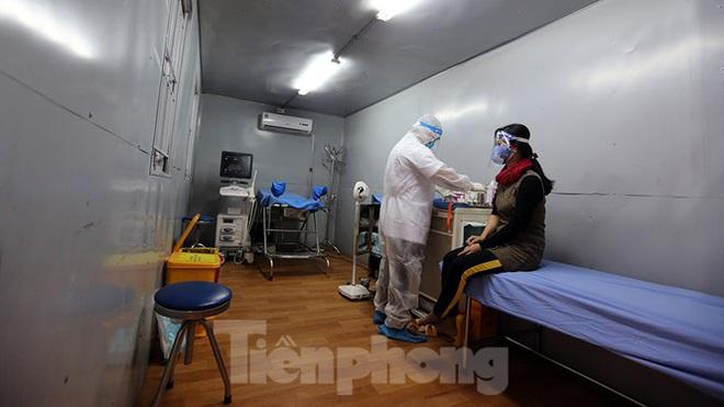 Bàn giao 2 máy thở MV20 đầu tiên trong dự án tặng 2.000 máy thở cho Việt Nam chống dịch COVID-19; Việt Nam tròn 5 ngày không ghi nhận ca mắc mới - Ảnh 1.