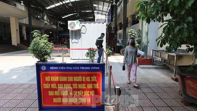Bàn giao 2 máy thở MV20 đầu tiên trong dự án tặng 2.000 máy thở cho Việt Nam chống dịch COVID-19; Việt Nam tròn 5 ngày không ghi nhận ca mắc mới - Ảnh 4.