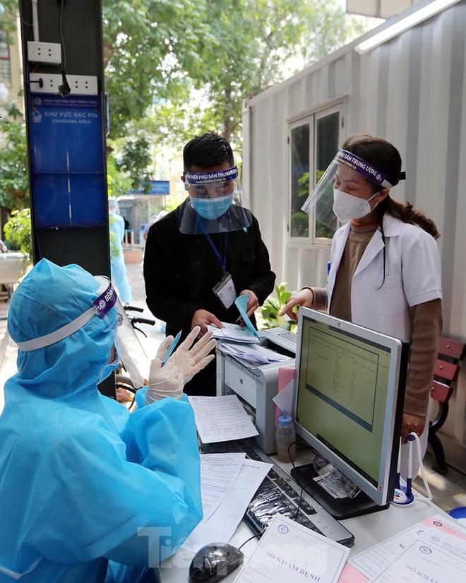 Bàn giao 2 máy thở MV20 đầu tiên trong dự án tặng 2.000 máy thở cho Việt Nam chống dịch COVID-19; Việt Nam tròn 5 ngày không ghi nhận ca mắc mới - Ảnh 3.