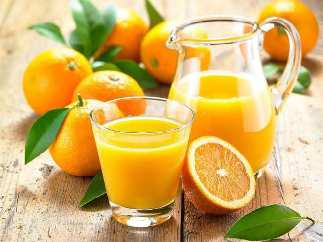 Uống nhiều nước cam, nước chanh gây lưu thai: Chuyên gia sản khoa nói gì? - Ảnh 1.