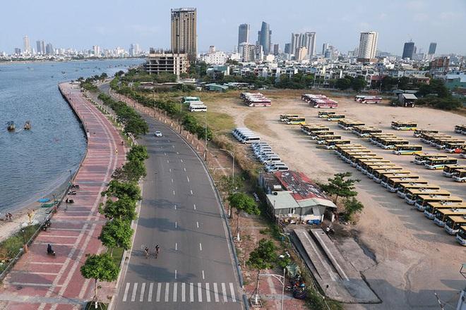 Dịch Covid-19 ngày 22/4: Hà Nội vẫn thuộc nhóm nguy cơ cao, đề xuất cách ly xã hội thêm 1 tuần; Hà Giang phong tỏa toàn bộ thị trấn Đồng Văn - Ảnh 1.