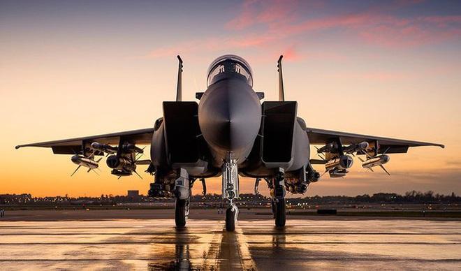 Đại bàng F-15 có khả năng 'bay ngang qua cả thế giới' - Ảnh 3.