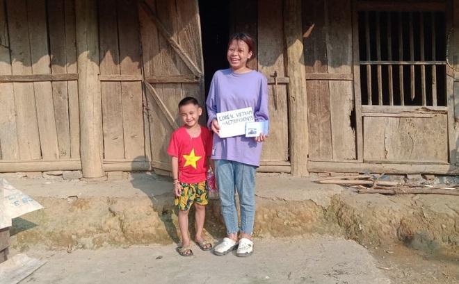 Câu chuyện của cô gái lần đầu làm từ thiện, nhìn những hình ảnh của người nhận quà ai cũng xúc động
