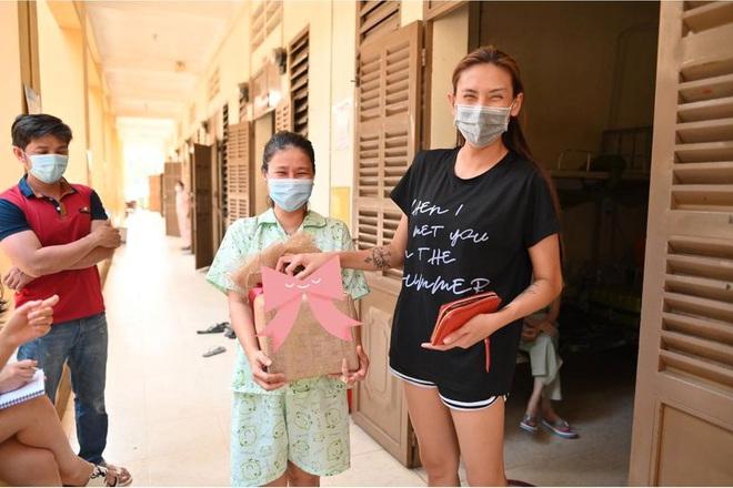 Người mẫu Võ Hoàng Yến tiết lộ những chuyện ít người biết trong khu cách ly - Ảnh 4.